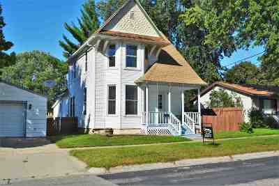 Richland Center Single Family Home For Sale: 144 W Burton St