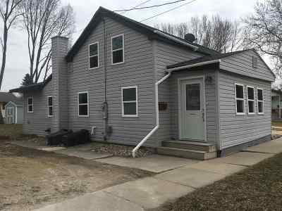 Prairie Du Sac WI Single Family Home For Sale: $155,000