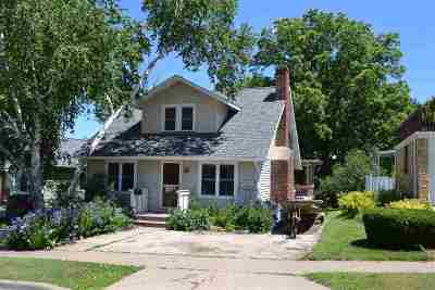 Iowa County Single Family Home For Sale: 313 N Level St