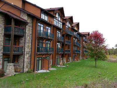Wisconsin Dells Condo/Townhouse For Sale: 2504 River Rd #7426