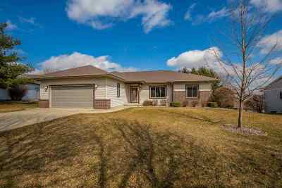 Mount Horeb Single Family Home For Sale: 405 Fairway St