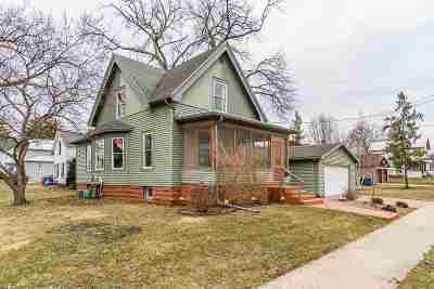 Baraboo WI Single Family Home For Sale: $164,500
