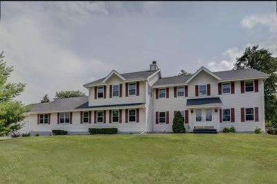 Fitchburg Single Family Home For Sale: 2776 Jasmine Dr