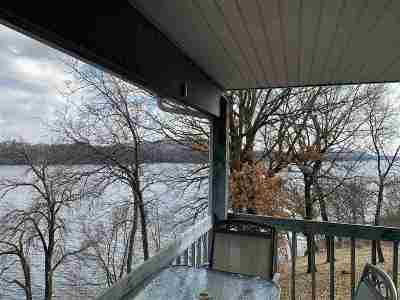 Merrimac WI Condo/Townhouse For Sale: $169,000