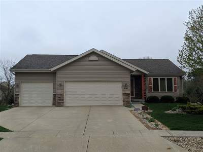 Prairie Du Sac WI Single Family Home For Sale: $359,000