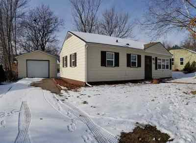 Baraboo WI Single Family Home For Sale: $134,900