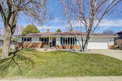 Waunakee Single Family Home For Sale: 807 John St