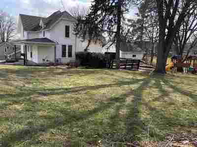 Platteville Single Family Home For Sale: 60 Ann St