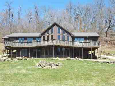 Cassville Single Family Home For Sale: 8635 Irish Ridge Rd