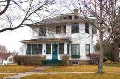 Lodi Single Family Home For Sale: 128 Grand Ave
