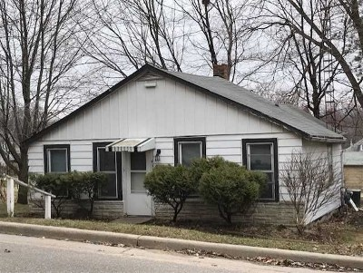 Baraboo WI Single Family Home For Sale: $114,900