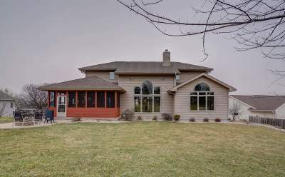 Mount Horeb Single Family Home For Sale: 109 Greve Cir