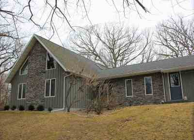 Columbia County Single Family Home For Sale: W900 Fields Rd