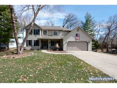 Dodge County Single Family Home For Sale: 807 Lake Shore Dr