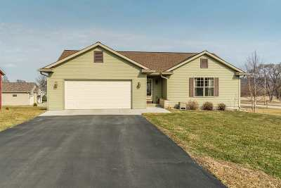 Sauk County Single Family Home For Sale: S5484 Mammoth Tr