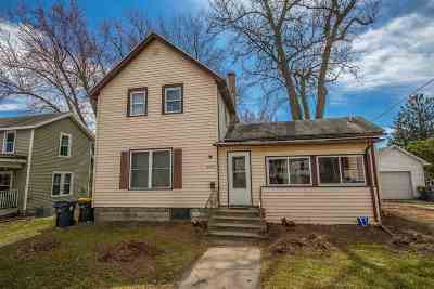 Green County Single Family Home For Sale: 2222 8th St