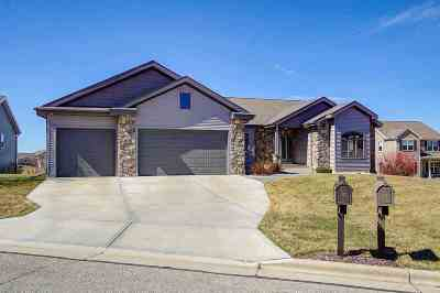 Deforest Single Family Home For Sale: 819 Shooting Star Cir