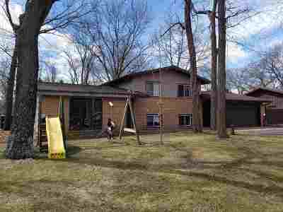 Single Family Home For Sale: W8987 Hilltop Rd