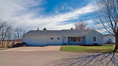 Iowa County Single Family Home For Sale: 104 West St