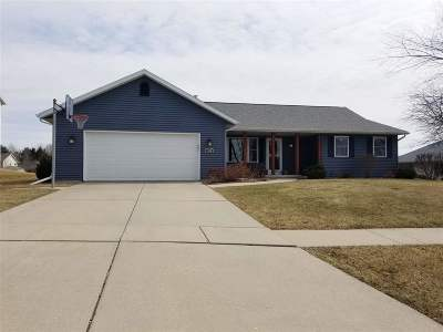 Evansville Single Family Home For Sale: 106 N 6th St