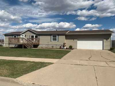 Baraboo Single Family Home For Sale: 1431 Evergreen Dr