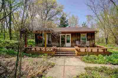 Stoughton Single Family Home For Sale: 845 Hwy 138