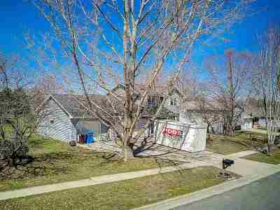 Waunakee Single Family Home For Sale: 1303 Wimbleton Way