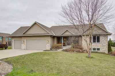 Sun Prairie Single Family Home For Sale: 3072 Viking Pass