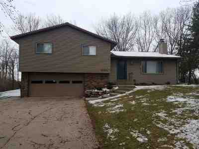 Baraboo WI Single Family Home For Sale: $199,900