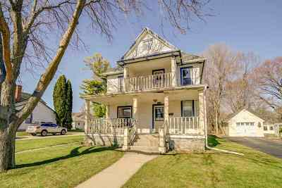 Sun Prairie Single Family Home For Sale: 146 North St