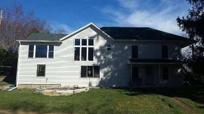 Green County Single Family Home For Sale: N5501 Buckskin Rd