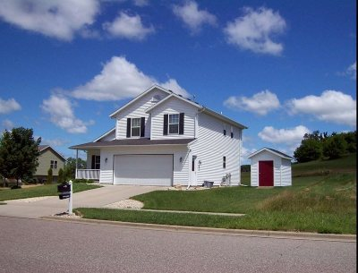 Sauk County Single Family Home For Sale: 1005 Hay Creek Tr