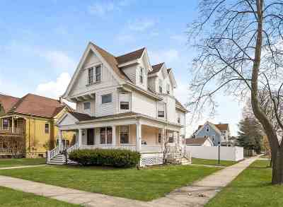 Stoughton Single Family Home For Sale: 1101 Giles St