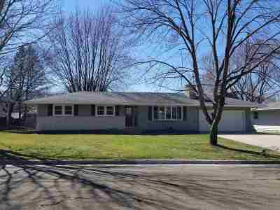 Dane County Single Family Home For Sale: 204 Reigstad St
