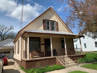 Baraboo Single Family Home For Sale: 500 8th Ave