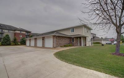 Verona Multi Family Home For Sale: 251 Meadowside Dr