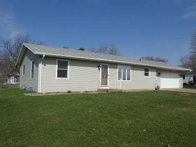 Cuba City Single Family Home For Sale: 313 S Lincoln St