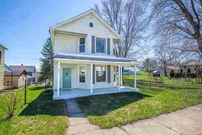 Iowa County Single Family Home For Sale: 403 Old Main St