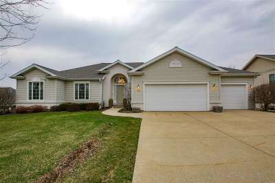 Mount Horeb Single Family Home For Sale: 112 Autumnwood Cir
