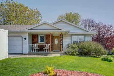 Single Family Home For Sale: 1636 Oconto Dr