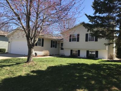 Waunakee Single Family Home For Sale: 908 Spahn Dr