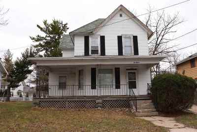 Janesville Multi Family Home For Sale: 615 N Pearl St