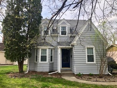 Beloit Single Family Home For Sale: 800 Sherwood Dr NW