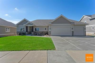Waunakee Single Family Home For Sale: 850 Walter Run