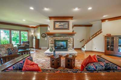 Cross Plains Single Family Home For Sale: 5035 Enchanted Valley Rd