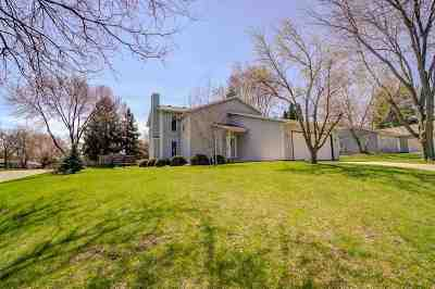 Fitchburg Single Family Home For Sale: 5689 Modernaire St
