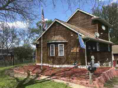 Baraboo Single Family Home For Sale: 709 Walnut St
