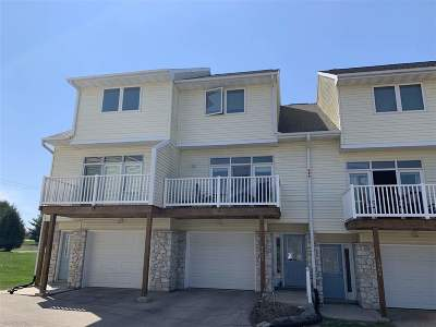 Deforest Condo/Townhouse For Sale: 4462 Gray Rd