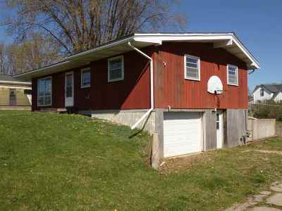 Lancaster WI Single Family Home For Sale: $67,500