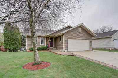 Deforest Single Family Home For Sale: 921 W Mohawk Tr